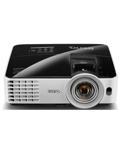 Small-Space XGA Business Projector